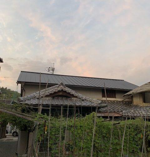 八幡市にて屋根修理 ~タテヒラ葺~