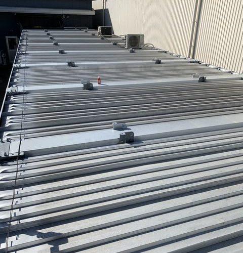 京都市南区にて屋根修理~88型折半のカバー工法~