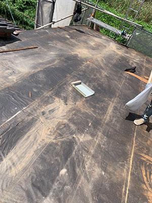 金属屋根を撤去した状態