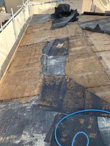 トタン屋根を捲った後の写真