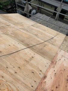 瓦からスーパーガルテクトへの葺き替え工事 野地板設置