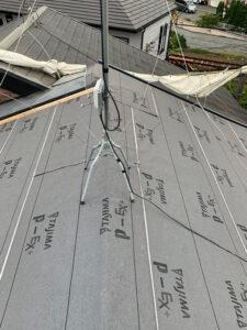 瓦からスーパーガルテクトへの葺き替え工事 ゴムアスルーフィング設置