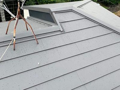 右京区嵯峨にてカラーベストからスーパーガルテクトへの屋根カバー工法